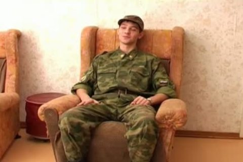 This gay Soldier merely Wants A handjob
