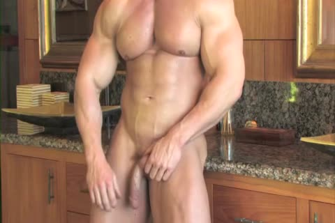 Zeb Atlas Has gigantic Muscles To Show