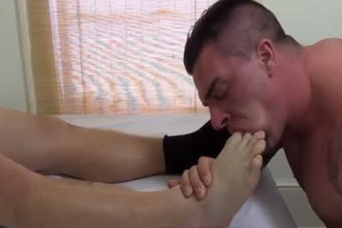 Tattooed And built Hunk Swallows His best Blokes Feet