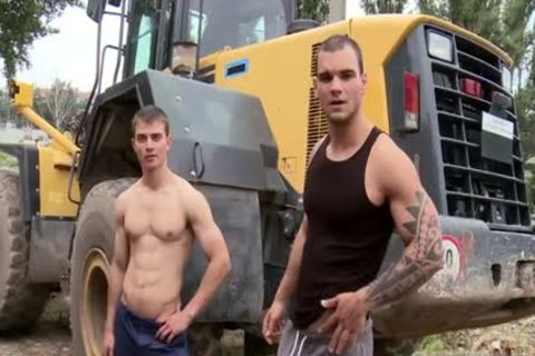 Muscle Daddy wazoo slam And Facial