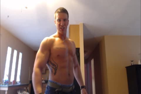 Verbal dom Hunk undresses Down