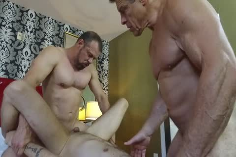 Robert Rexton get's boned By Muscle Daddy's Max Sargent & Chance Caldwell