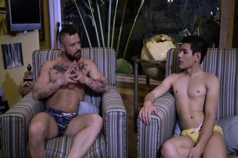 Bearded guy plows Latino twink