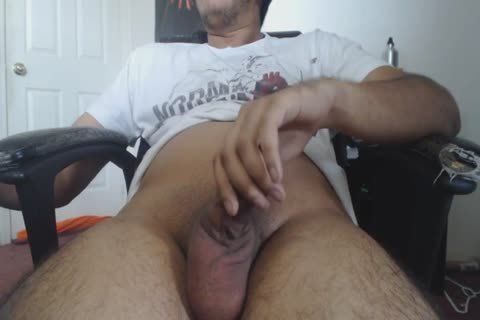 A handjob At Home For This lustful DILF