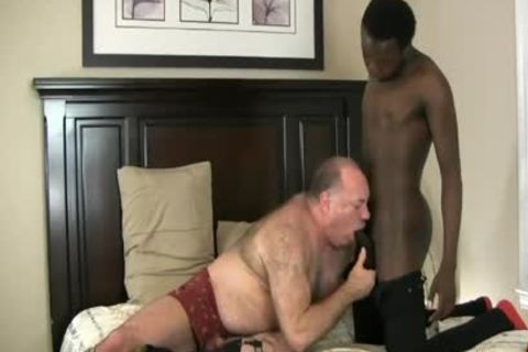 DADDY BEAR ENJOYS WITH black 10-Pounder