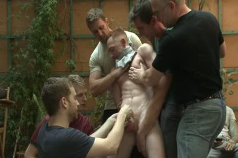 bound In Public - Damien Moreau (34158).mp4