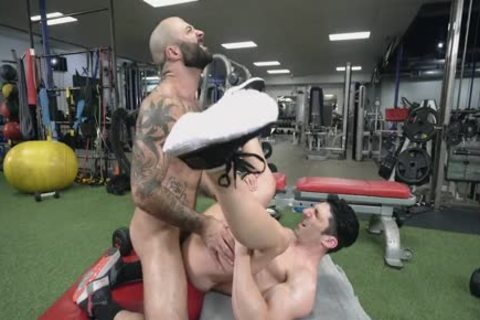 Atlas nails Sir Jet In The Gym