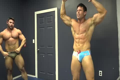 Muscle dudes Zach & Joey Wrestle