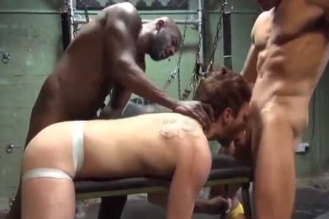 THRESOME INTERRACIAL unprotected IN SLING