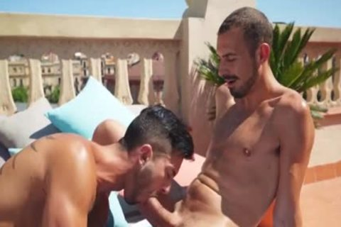 Andy Star receives A Tan