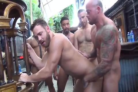 MusclePup Logan Moore acquires group team-nailed Barebacked pound