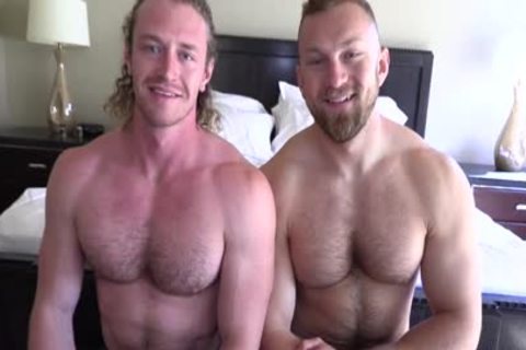 'Jaxon Valor gets Filled And Showered By Russel's fat 10-Pounder'