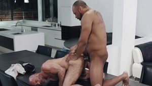 Noir Male: Huge cock Ray Diesel rimjob