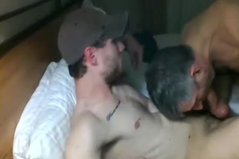 mature sucking 10-Pounder In Live