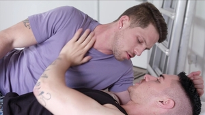 NextDoorRaw - Caucasian Zak Bishop rushes hard slamming