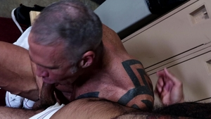 Men Over 30: Dallas Steele having fun with big cock daddy