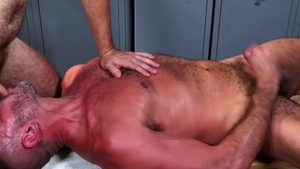 MenOver30.com - Athletic brunette Clay Towers digs sex